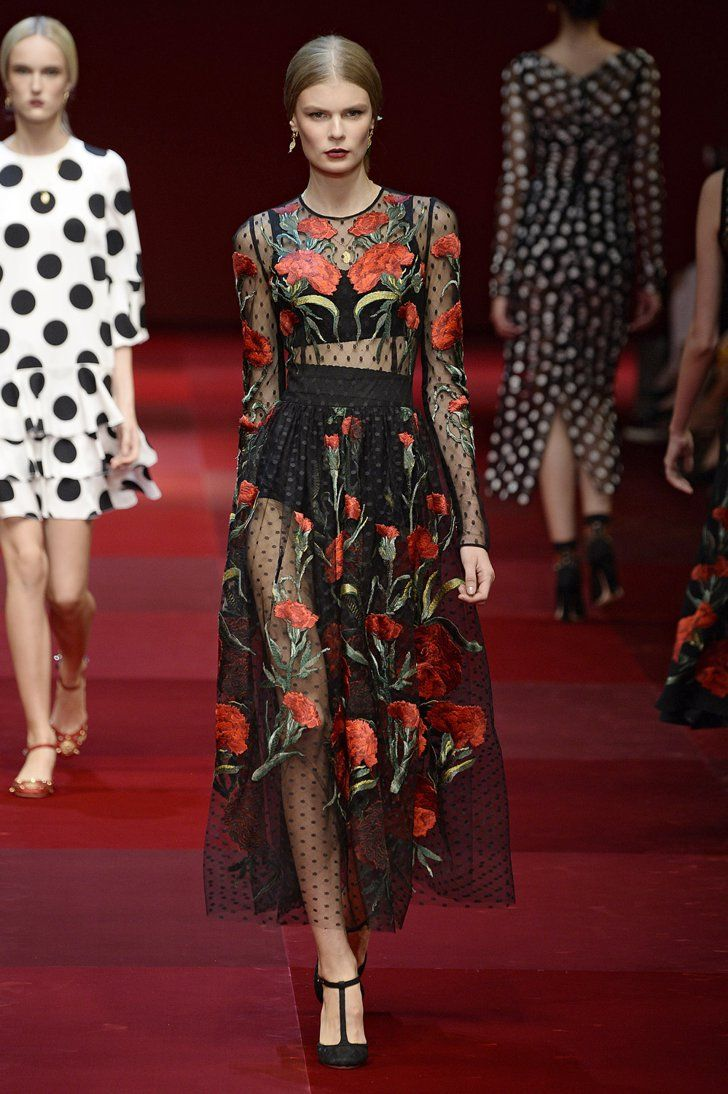 b5fa5413e70015 Pin for Later  Could Next Spring Be Any Sexier  Dolce   Gabbana Spring 2015