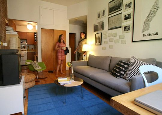 Small Spaces Nyc Style 10 Homes Under 600 Square Feet Small Spaces Small Apartment Living Room Small Urban Apartment