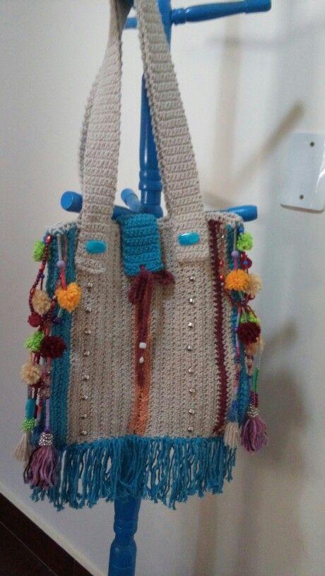 Bolsa estilo peruano de crochê.