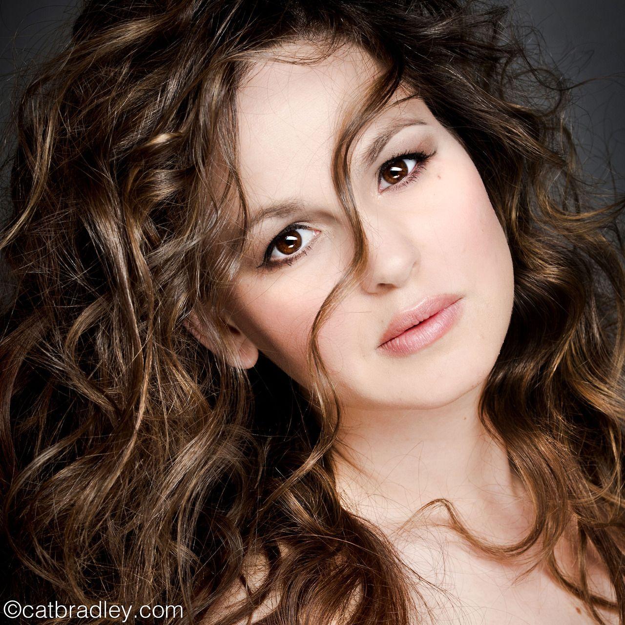 Giovanna Fletcher, wife of Tom Fletcher (McFly), author of