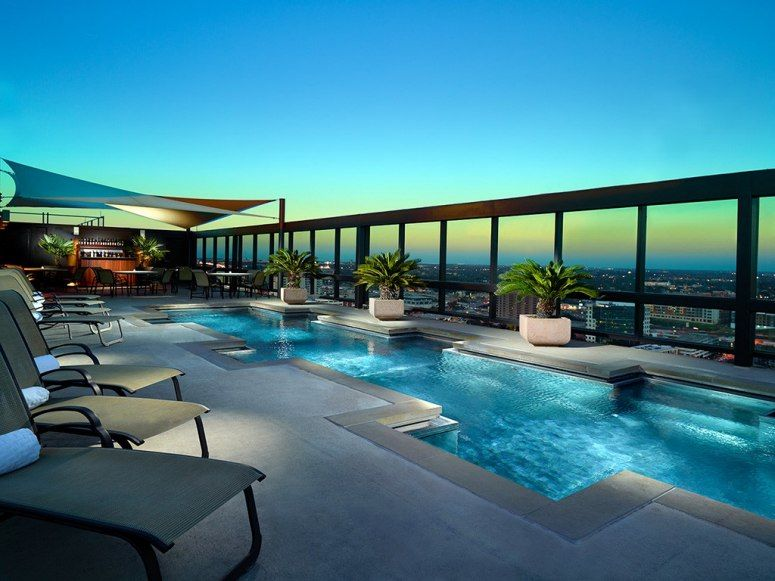 Rooftop Hotel Pools With Amazing Views Omni Austin Downtown Tx