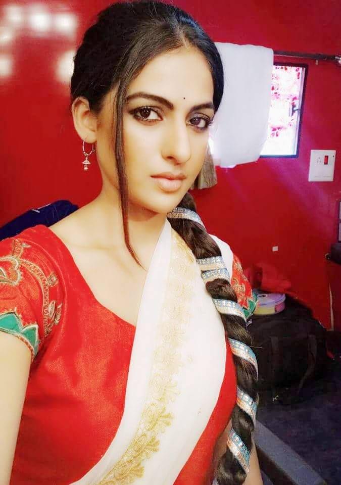 Hot Punjabi Girls Pictures