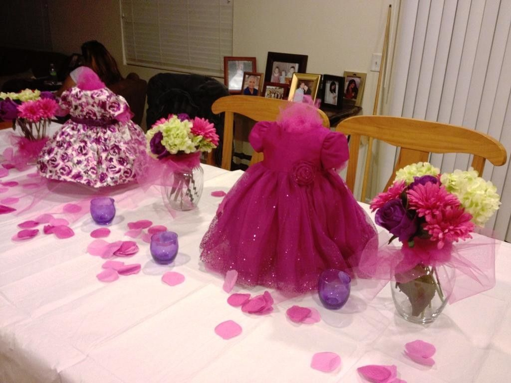 Baby shower centerpieces for tables supreme baby shower for Baby shower decoration ideas for girl