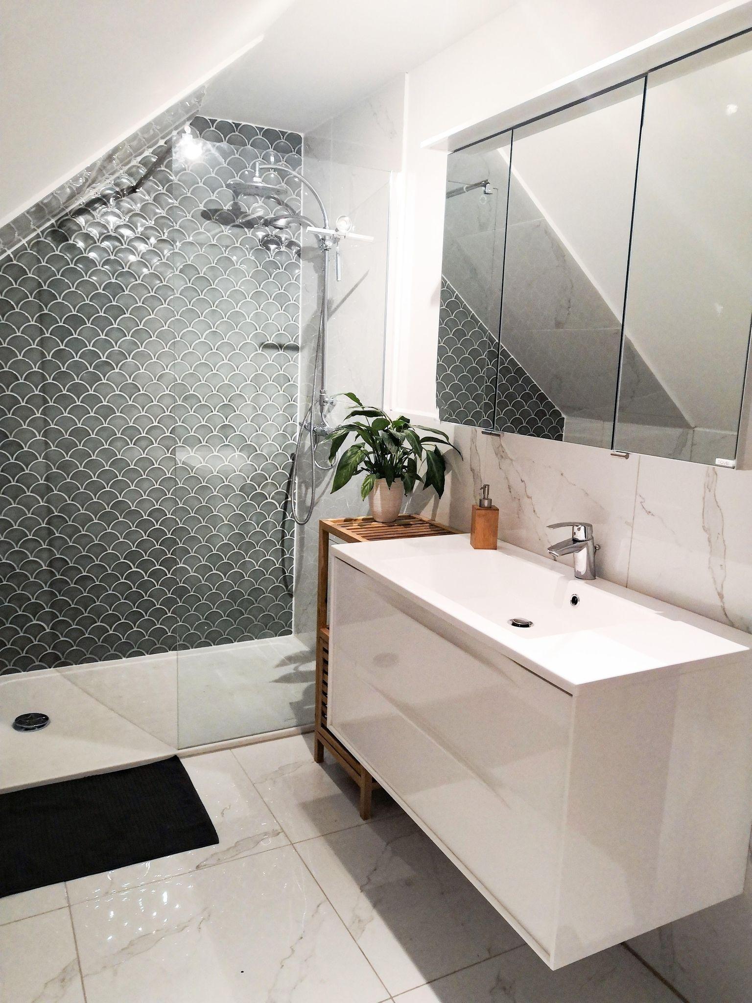 Dachschragen Platz Optimal Ausnutzen So Geht S In 2020 Badezimmer Dachschrage Dachschrage Einrichten Dachzimmer Einrichten