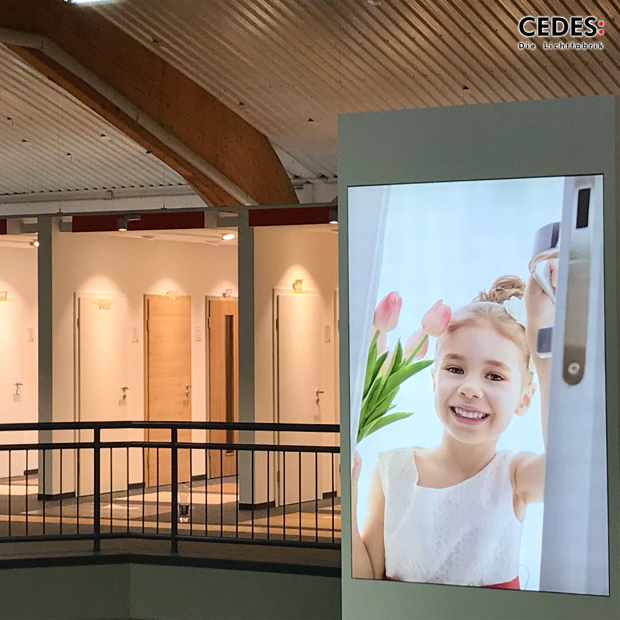Smart Retail Lighting Led Lighting Frames Provide Emotion And Guidance Lichtplanung Ladenbau Beleuchtung