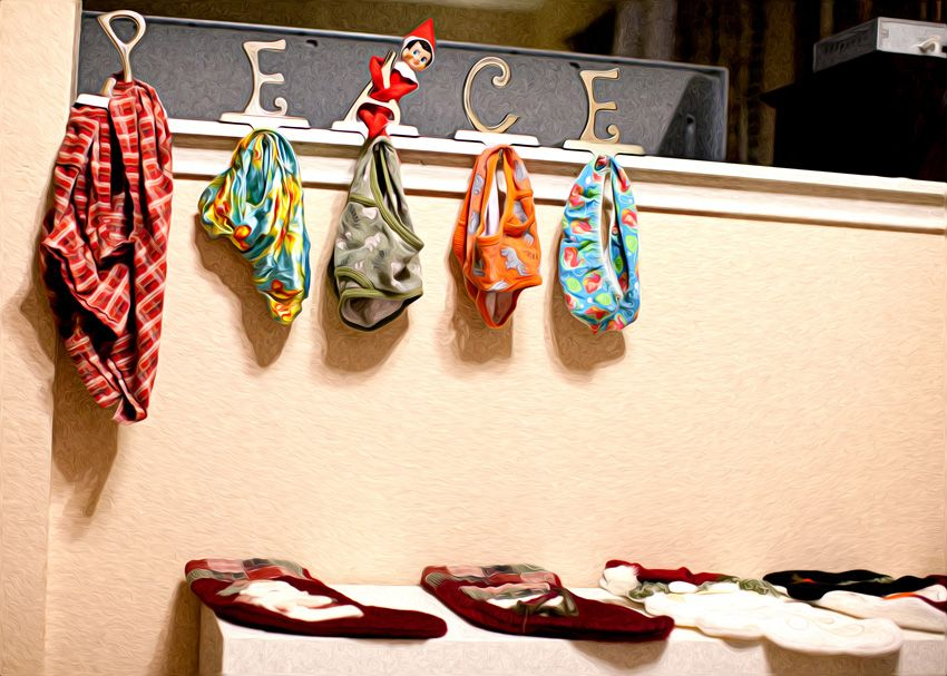 Elf on the Shelf ideas...if you Elf on the Shelf
