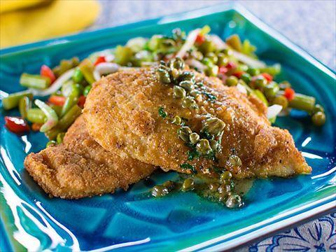 Garlicky lemon chicken piccata trisha shares her easy to make trisha yearwood chicken piccata recipe from food network forumfinder Images