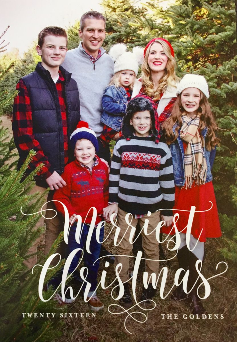 Family Outfits What To Wear For Your Christmas Tree Farm Photo Shoot Christmas Tree Farm Photo Shoot Christmas Tree Farm Photos Christmas Tree Farm Pictures