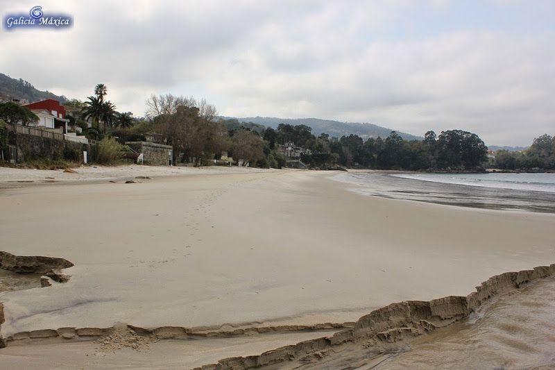 Playa De Lapamán Bueu Playa
