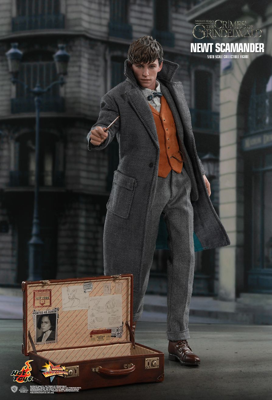 Hot Toys Newt Scamander Fantastic Beasts The Crimes Of Grindelwald