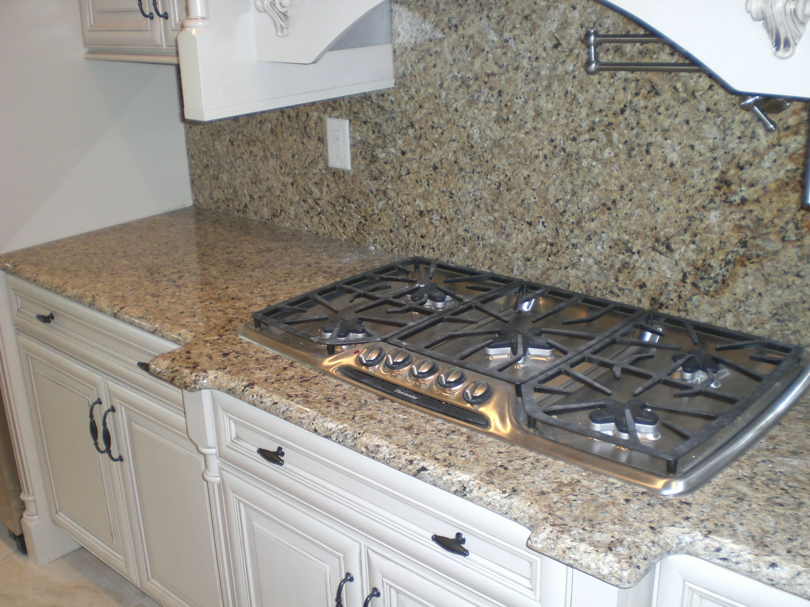 Shivakashi granite countertops slab and prices living rooms gallery - New Venetian Gold Countertops