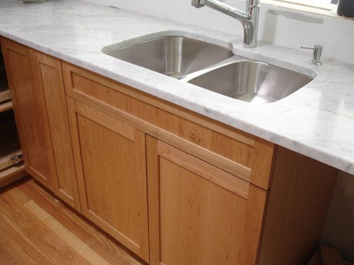 What color granite for natural cherry cabinets - Kitchens Forum - GardenWeb