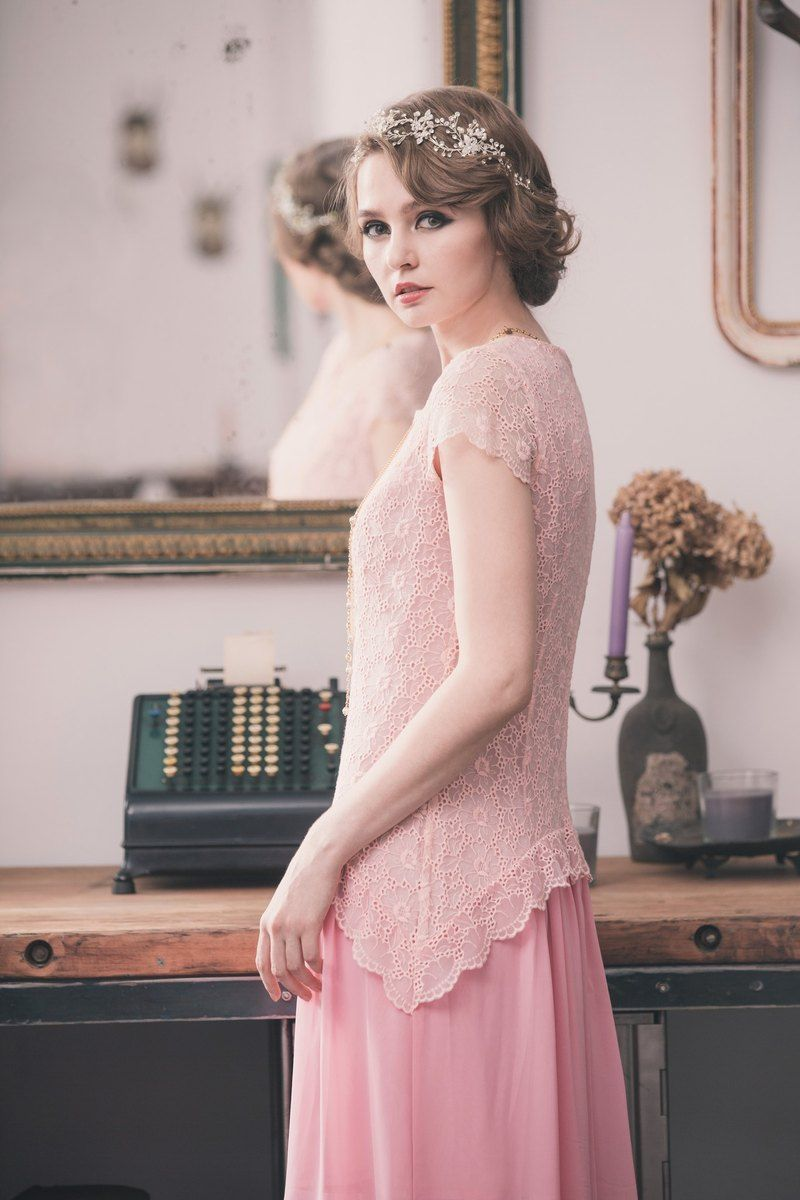Photo of Kan's Retro-Kleid aus Chiffon mit niedriger Taille und niedriger Taille – Kan's wieder auftauchende wunderschöne Retro-Kosmetikerin – Abendkleid | Pinkoi