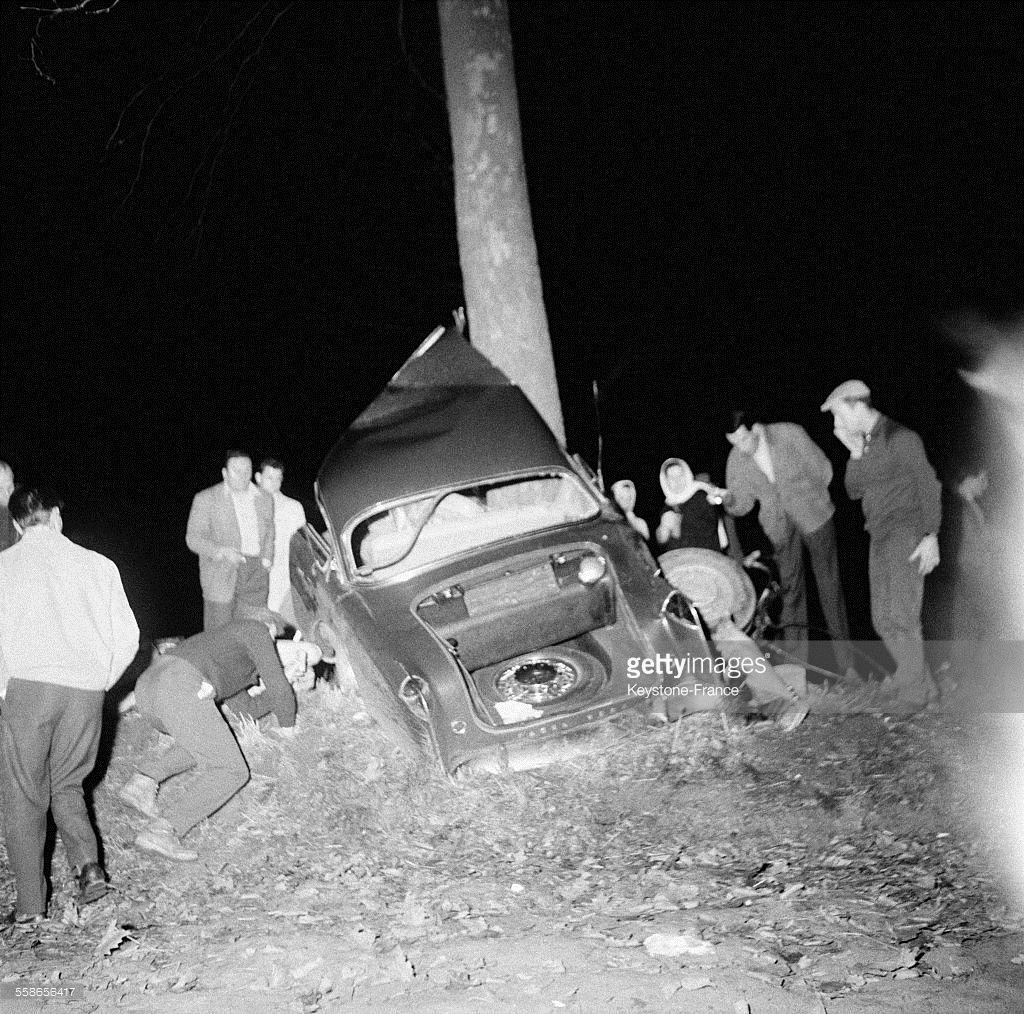 Voici le débris de la voiture d'Albert Camus après son accident de