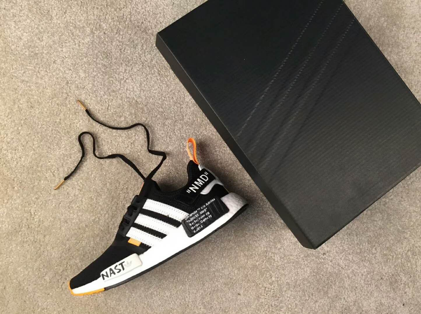 best service 04f8a 07564 Virgil Abloh Off-White x Adidas Nmd r1 pk