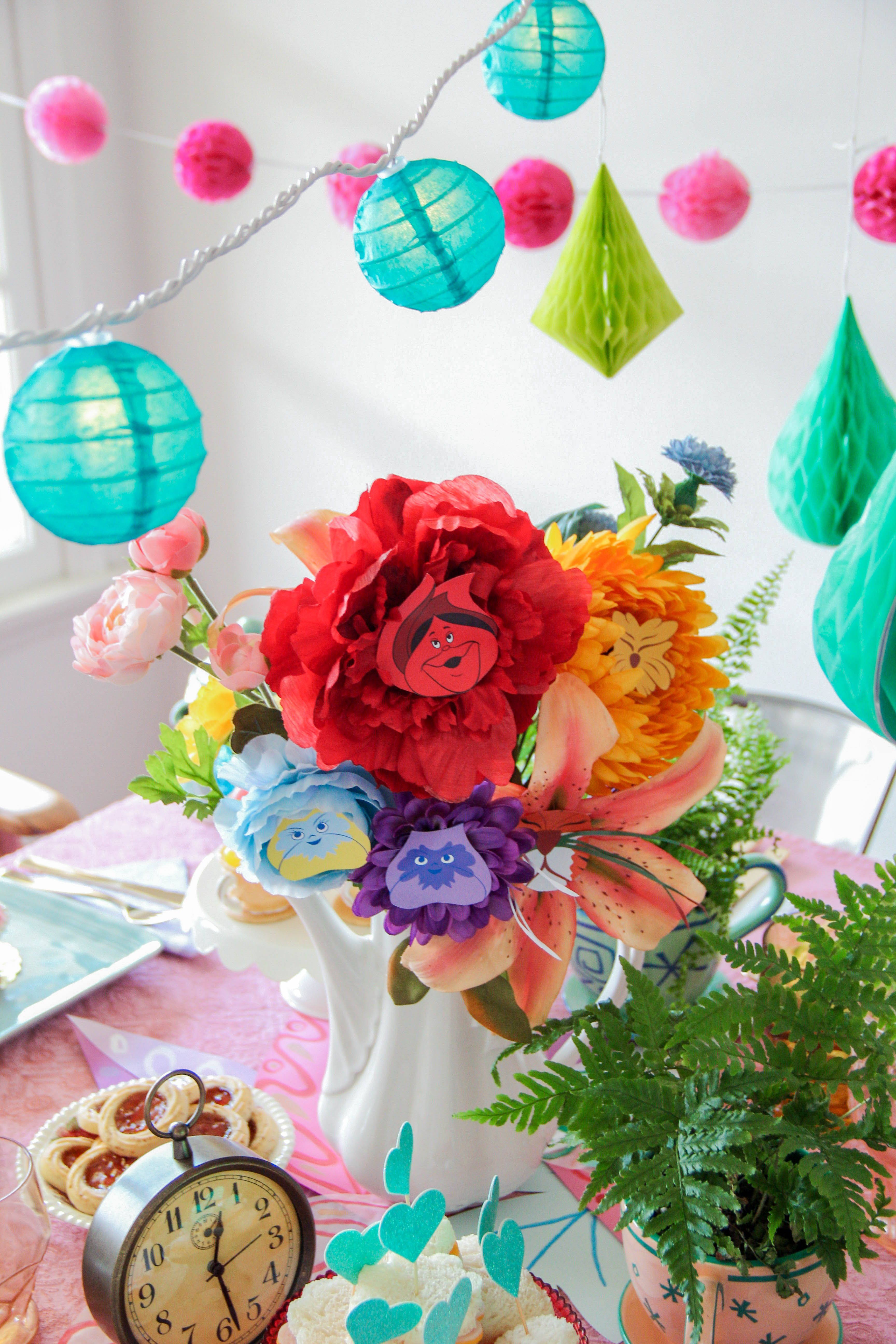 Alice in wonderland golden afternoon flowers library display and make a beautiful bouquet of spring flowers inspired by the magical world of alice in wonderland decorate the house or use them to set the scene at a party izmirmasajfo