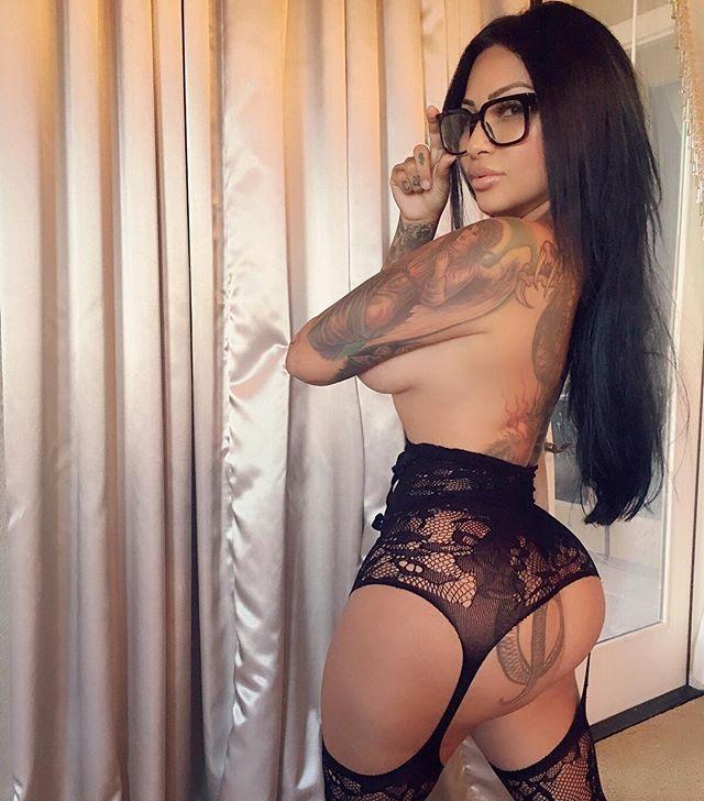 Brittanya Razavi Sexy Video