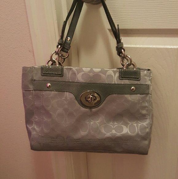 f0fb086547 Authentic Coach Penelope Signature Carryall Genuine Coach Penelope Carryall  bag. Made of two-tone