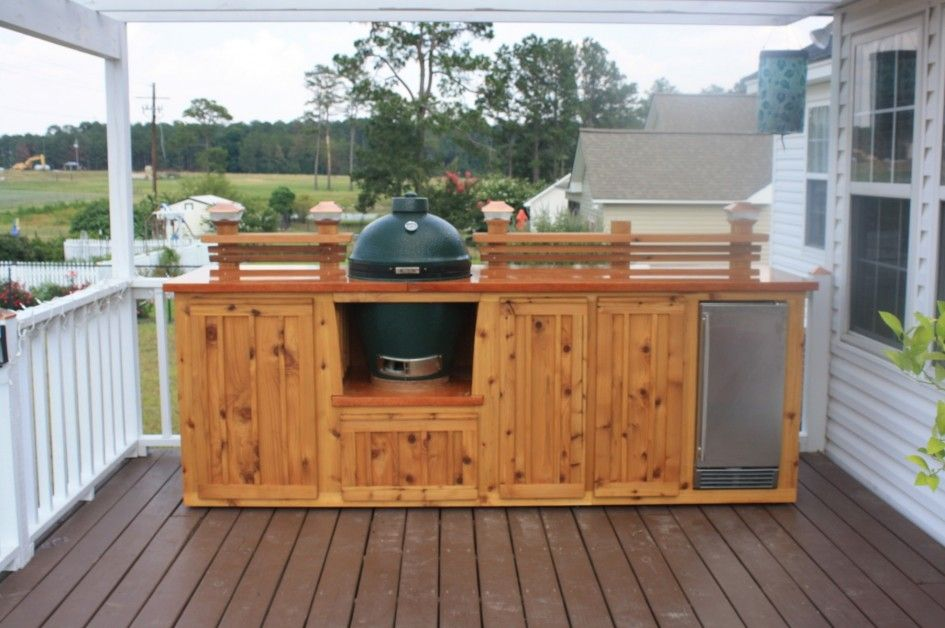 Astounding outdoor kitchen on wood deck with natural for Deck kitchen ideas