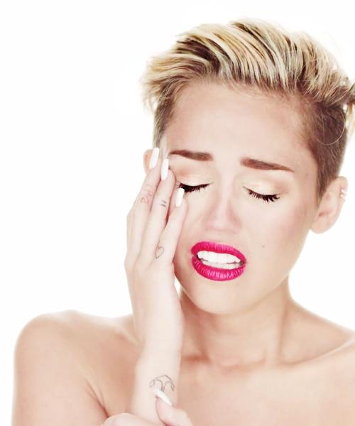 Si La Criticas Estas Loc Ella Es Per Fect Miley Miley Cyrus Ball Hairstyles