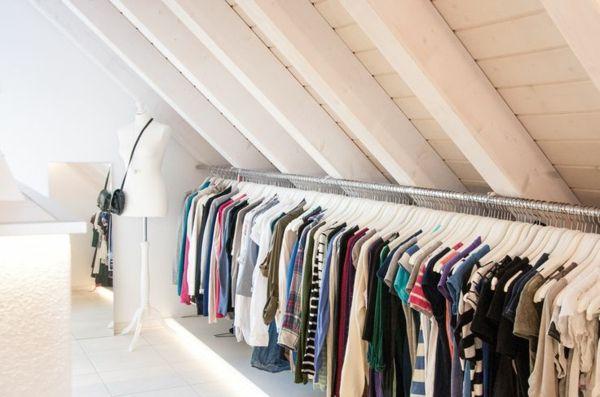 Begehbarer kleiderschrank dachschräge vorhang  Ankleidezimmer selber bauen - inspirierende Ideen und Bilder ...