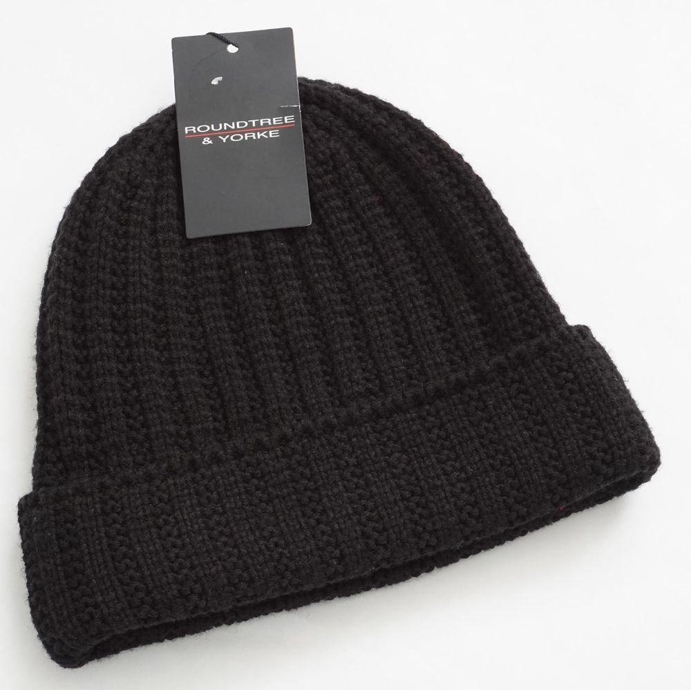 3cd76ea2219 Roundtree   Yorke Men Black Cable Knit Winter Beanie Hat One Size   RoundtreeYorke  Beanie