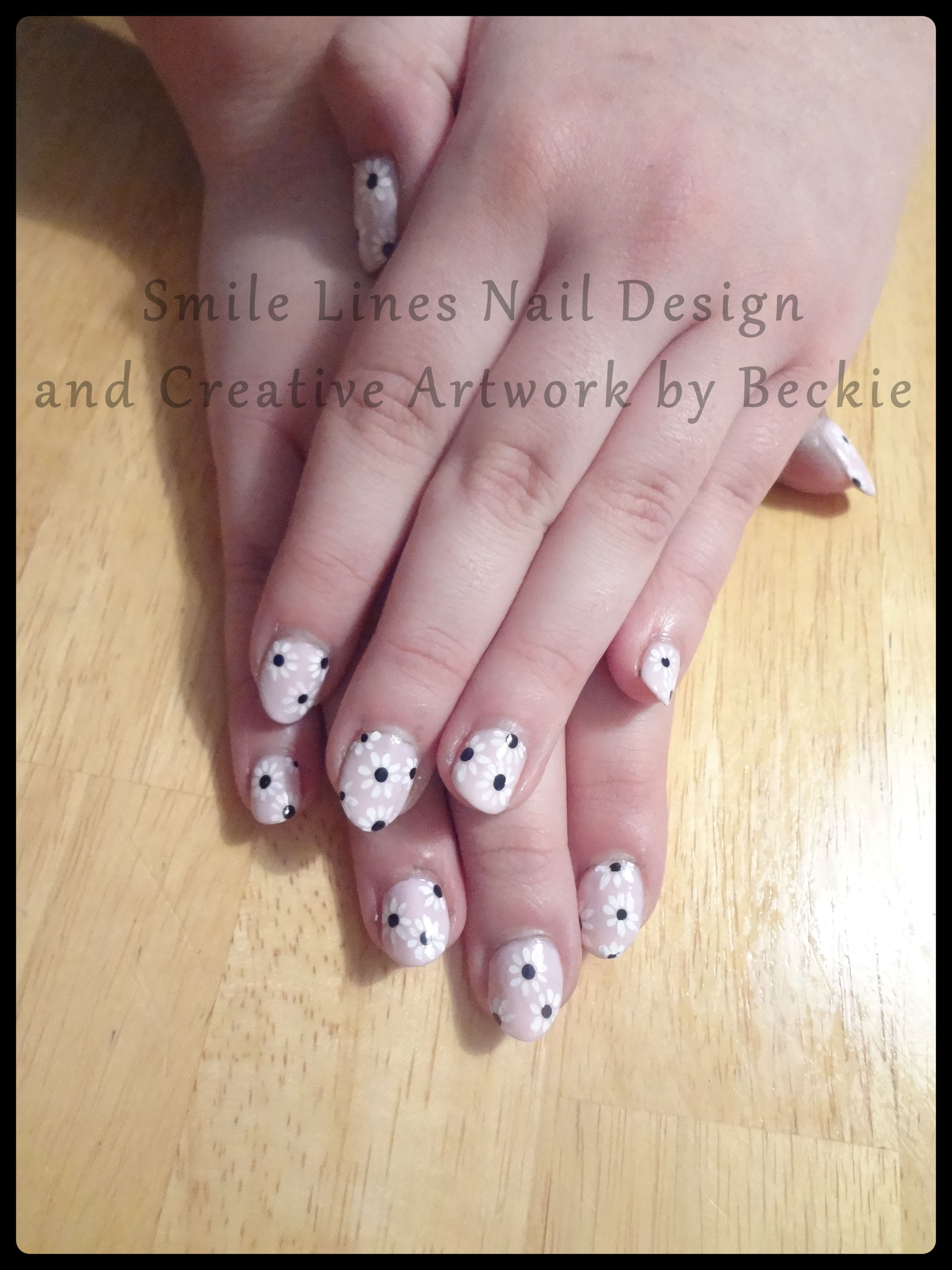 Dainty Daisy Nail Art | Nail Art | Pinterest | Daisy nail art and ...