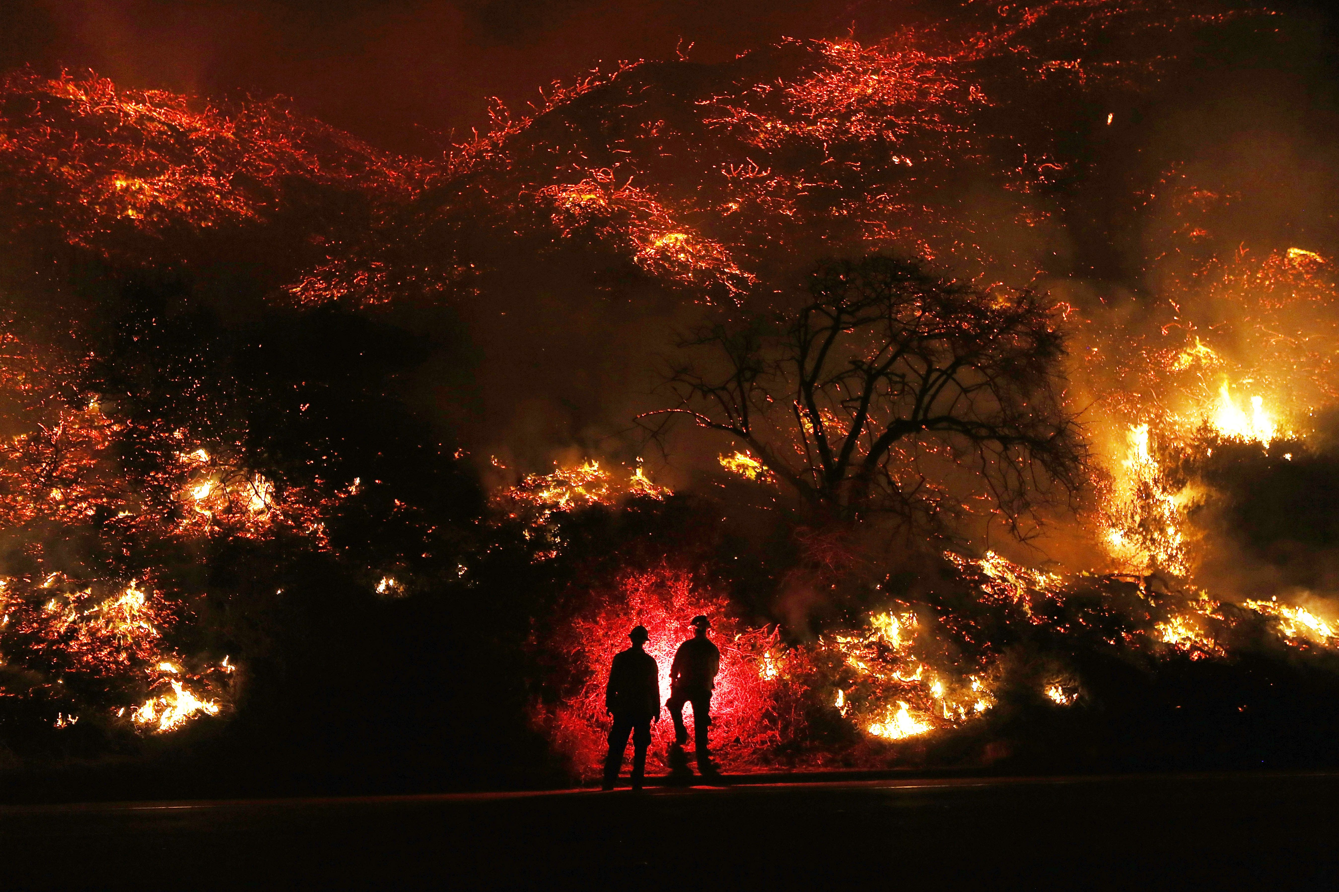 How Close Are The Fires To L A California Wildfire Map Shows Impact Near Los Angeles California Wildfires California History Pictures