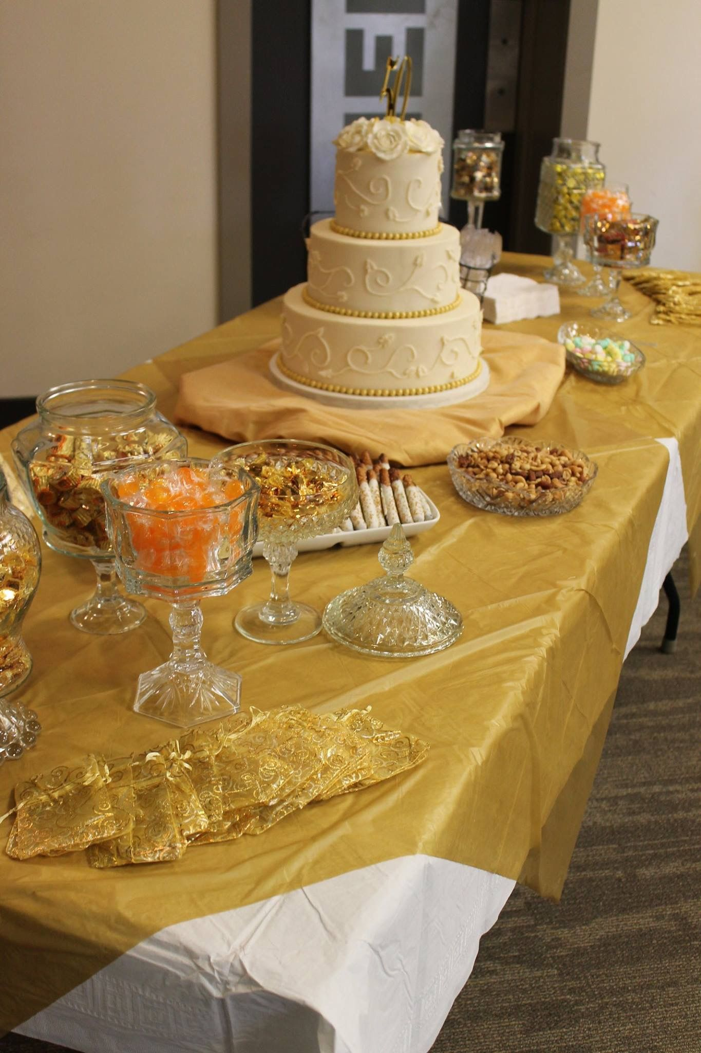 50th Anniversary Cake Table 50th Wedding Anniversary Cakes 50th Anniversary Cakes 50th Anniversary Celebration
