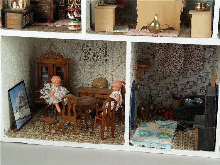 Puppenstube - 1950er Jahre, Holz, 7 Wohn- u. Schlafzimmer, m