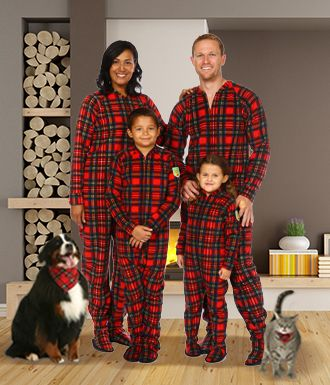 Stay warm this christmas with a personalized set of matching family pajamas  or onesies! https 692003b99