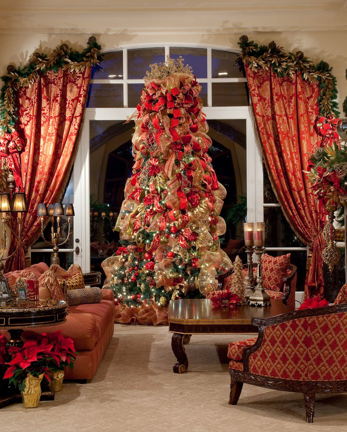 Elegant Christmas Themes: Elegant Red & Gold Opulent Italian Theme Christmas Tree