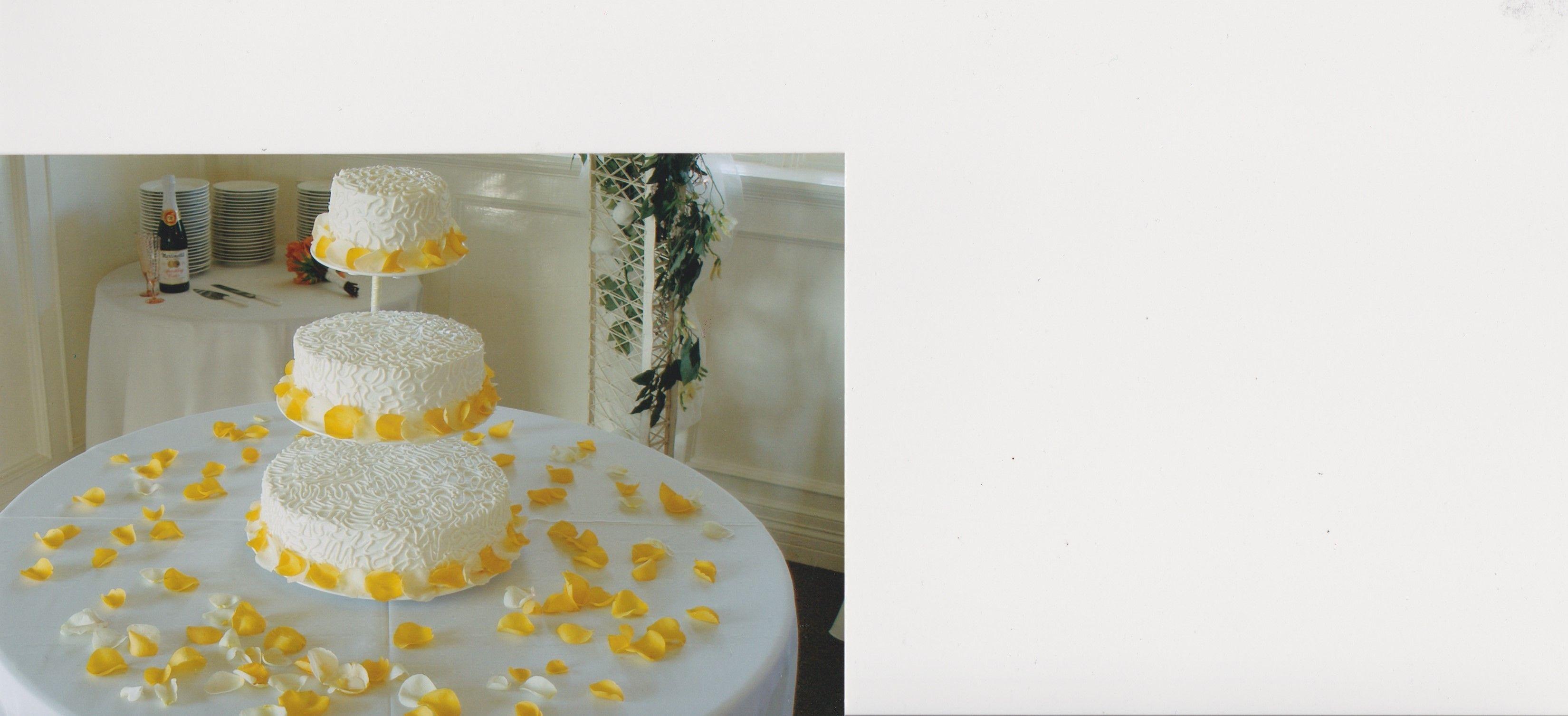 Matthew And Felicia Eis Wedding Reception Cake