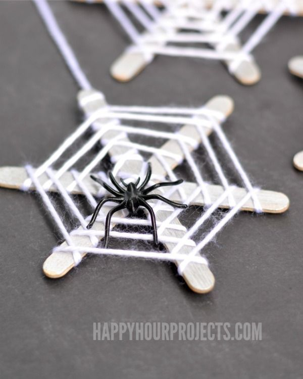 halloween crafts for kids craft stick spiderwebs at httpwwwhappyhourprojects