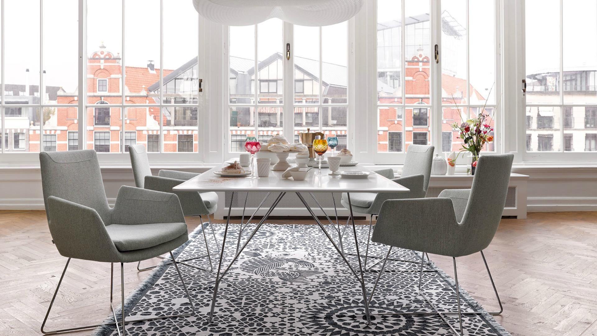 COR stoličky, stôl, jedáleň