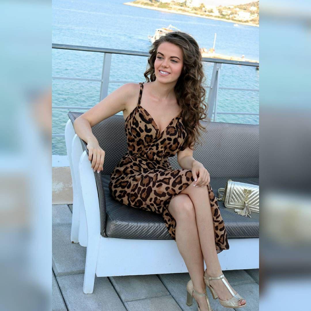 🐯  .  .  .  .  .  .  .  .  #summer #animalprint #gold #sea #greece #tan #island #summerdress #insta...