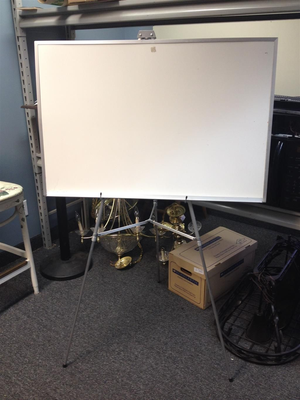 White Board With Adjustable Easel And Carrying Case Adjustable Easel Auction Items White Board
