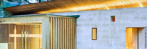 El uso de lamas de madera en 8 edificios del Reino Unido