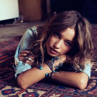 hair, bracelets