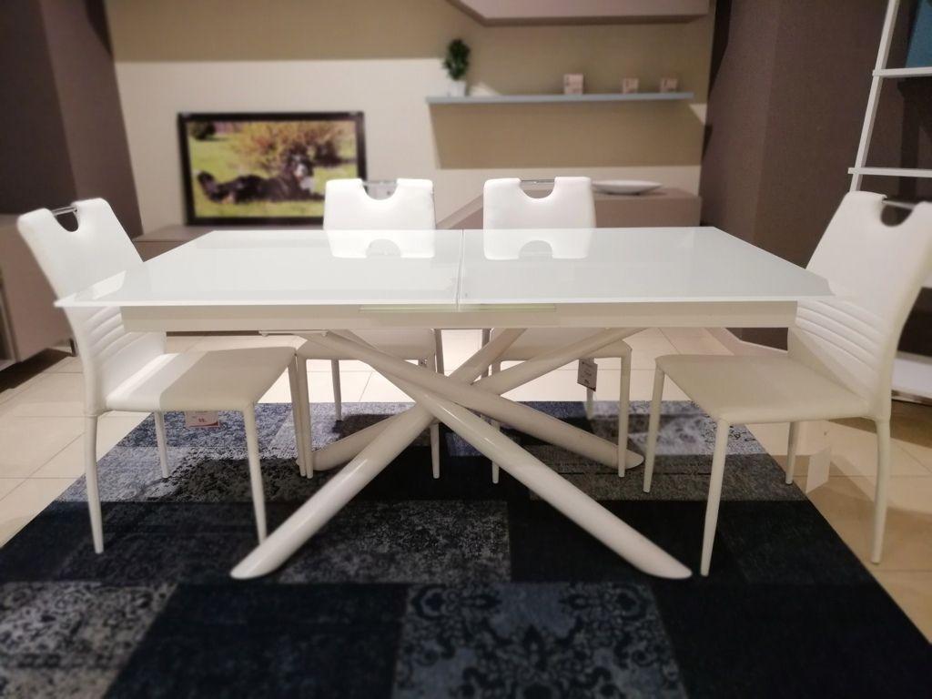 Tavolo estetista ~ Set di due sedie da tavolo kitsch rovere made city house