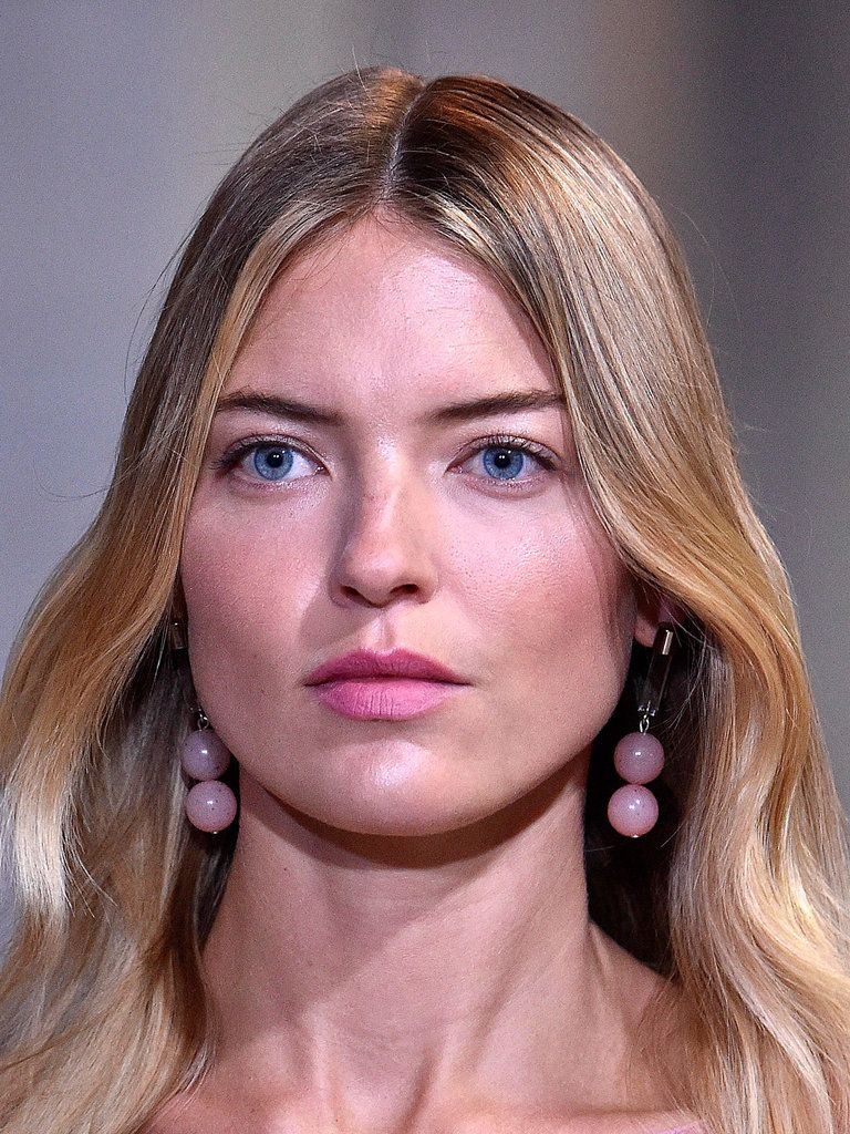 b37ff4e09f1b Make-up at Carolina Herrera was as pink as the designer s collection ...