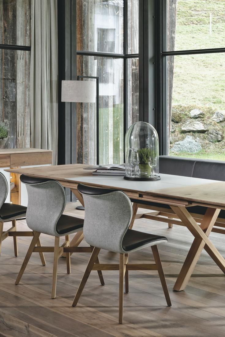 Holzmöbel modern  Küchenmöbel aus Holz von Voglauer für moderne Landhausküchen ...