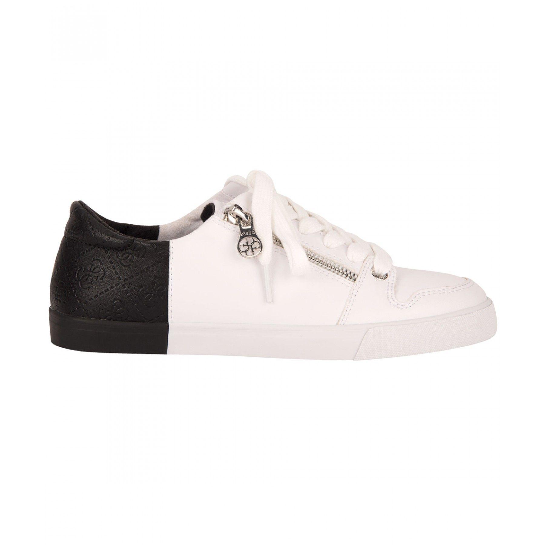 7649cfa8bf Tenis Guess casual elaborado en material sintético color blanco con punta  redondeada agujeta en empeine cierre decorativo en costado talón en tono  negro con ...
