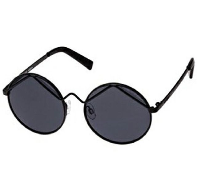 87092ec2440 Pin by Ceola Johnson on Sunnies   Glasses