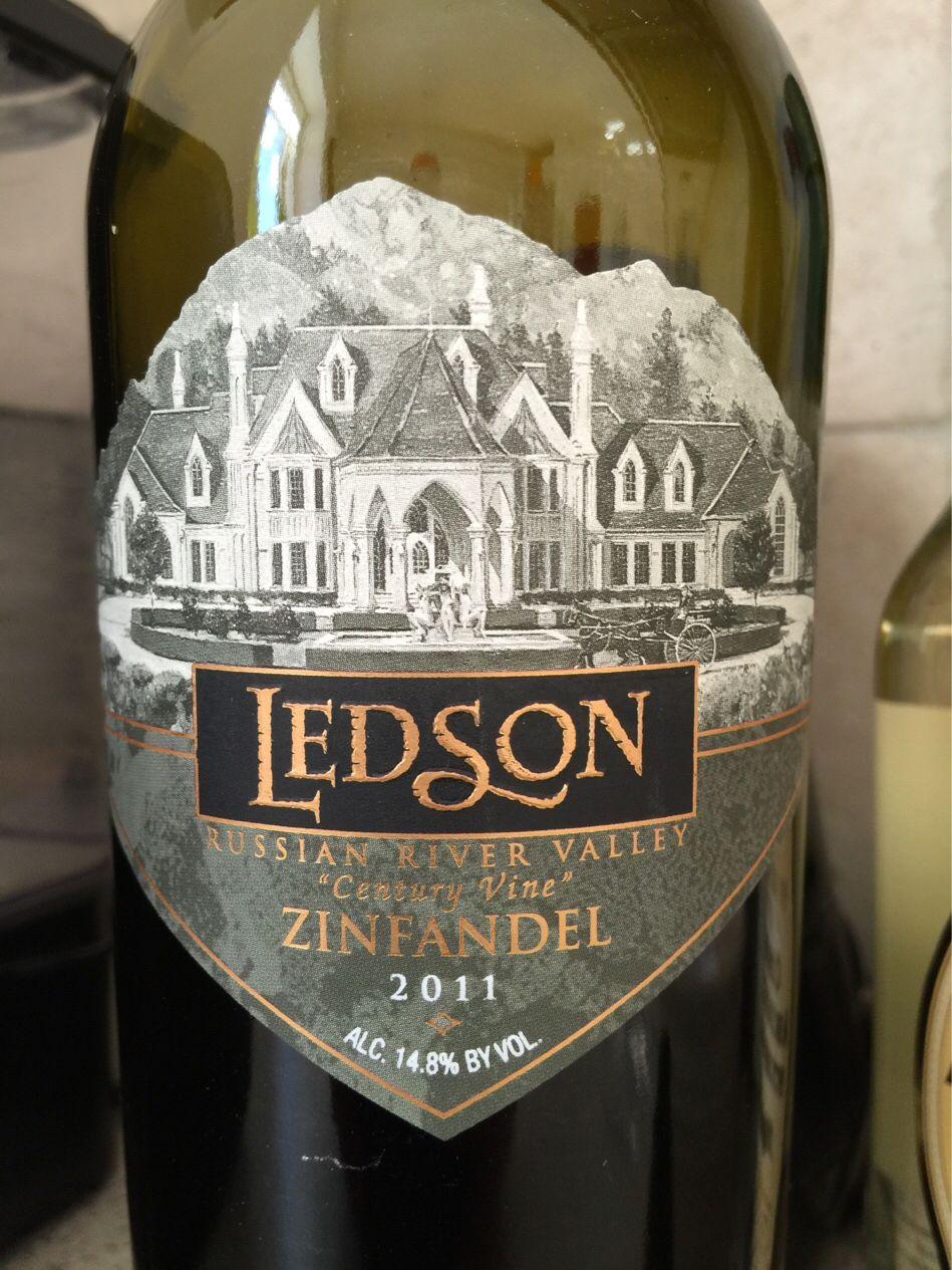 #flaskehalsen peger i dag på #Ledson Zinfandel som et storartet køb fra #megavin. Og så er den tilmed sat ned fra 250,- til 100,-. Find anmeldelsen og vores Californien-tema på  #zinfandel #usa #californien #russianriver #flaskehalsen #vinanmeldelse #vintilbud #dkwine #vin #vintip #vininspiration #odense #vinsmagning #tilbud