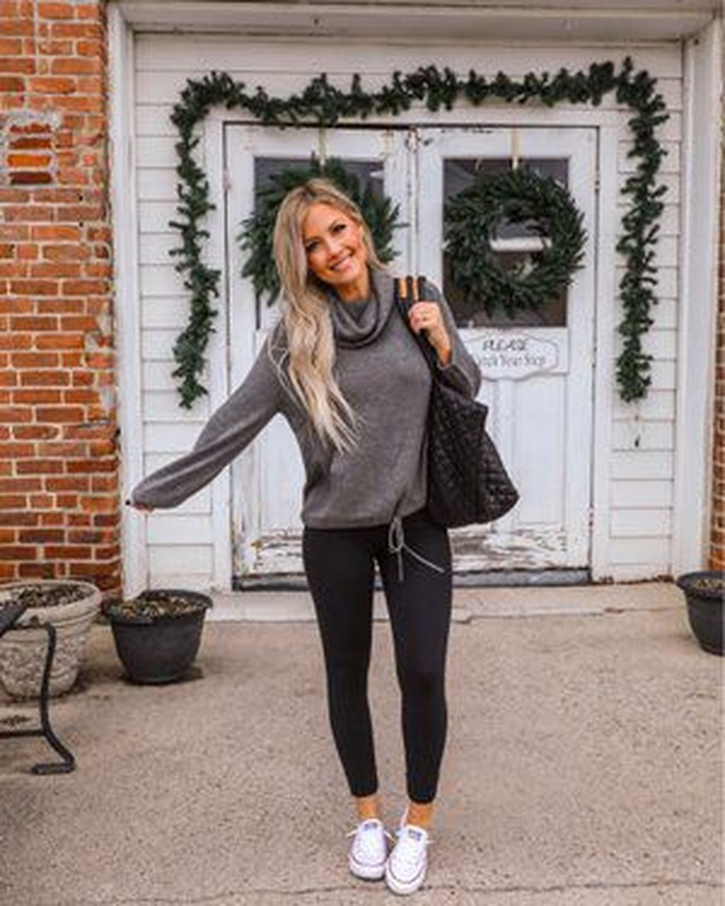 +38 Lovely Fall Outfits Ideas To Wear With Converse 2019  #maddyeuphoriaoutfits windsor, maddy euphoria outfits.Daily Fall Trends Ideas Wear. #maddyeuphoriaoutfits