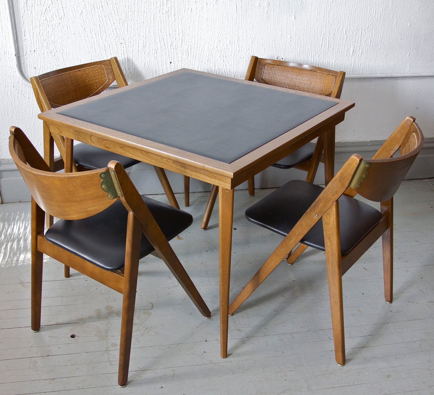 Merveilleux SOLD Vintage Mid Century Modern Stakmore Folding Chairs And Card Table Via  Etsy * Chairs Have Rattan Backs, Black Vinyl Seats, And Brass Hardware With  Great ...