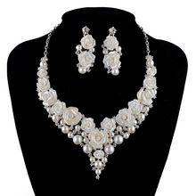 Conjuntos de Jóias de pérolas de noiva Casamento moda porcelana flor  brilhante AB cor Strass colar brincos conjunto de cristal de prata  alishoppbrasil 0794a13c2c
