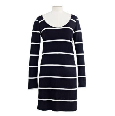 Ls_scoop_neck_dress_open_black_white