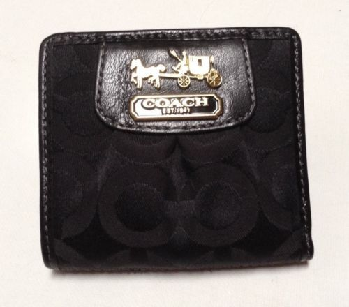 Coach MADISON Pleated OP ART Jacquard Leather Wallet Card Case Coin Purse https://t.co/hgDJQ9GRft https://t.co/fxJFnaVCJ2